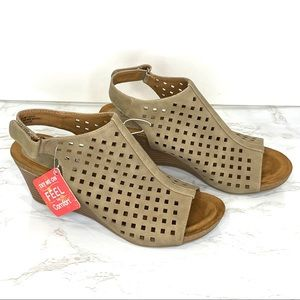 NEW Sofft Euro Tan Valerie Wedge Cutout Sandal 9.5